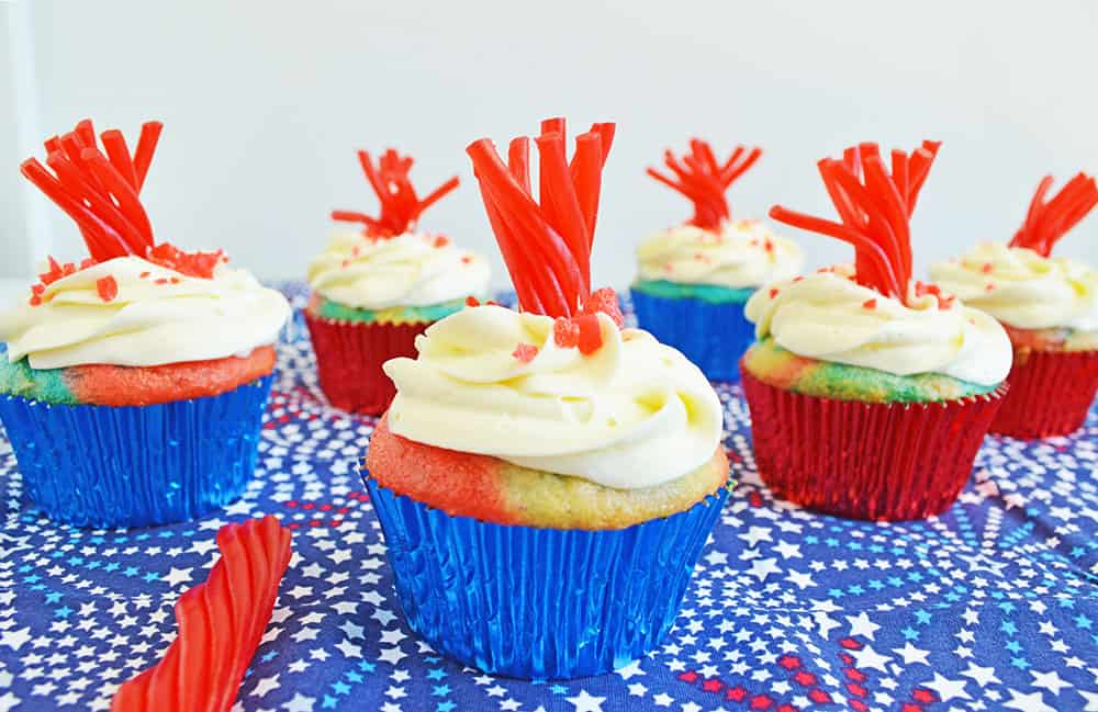 4th of july party ideas, food, decorations and more. Get the kids involved with these quick and easy DIY ideas.