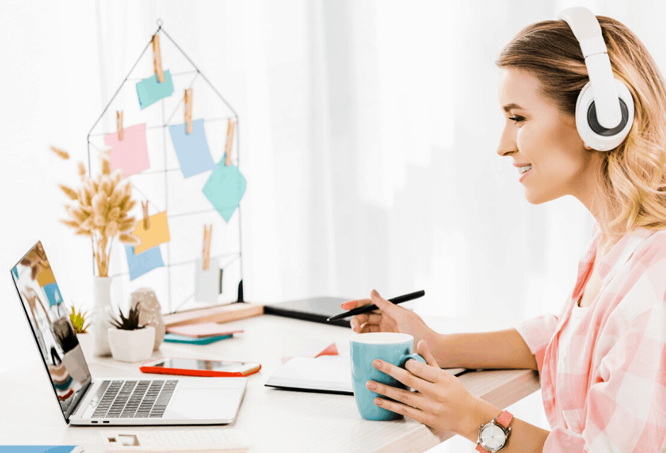 5 Online English Teacher jobs without experience – upto $26/hr